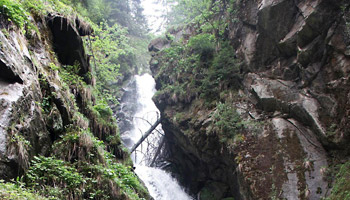 Tour32 Piller Wasserfall